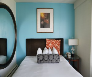 Marina Inn San Francisco - Queen Bedroom at Marina Inn